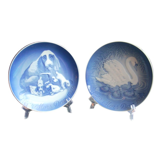 B&G Copenhagen Mother's Day Plates - A Pair - Image 1 of 4