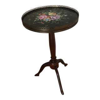 Isle of Man Pedestal Side Table With Shoe Feet C. 19th Century For Sale