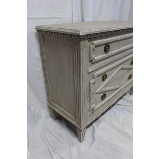 20th Century Gustavian Taupe Bedside Chests - a Pair For Sale In Atlanta - Image 6 of 8