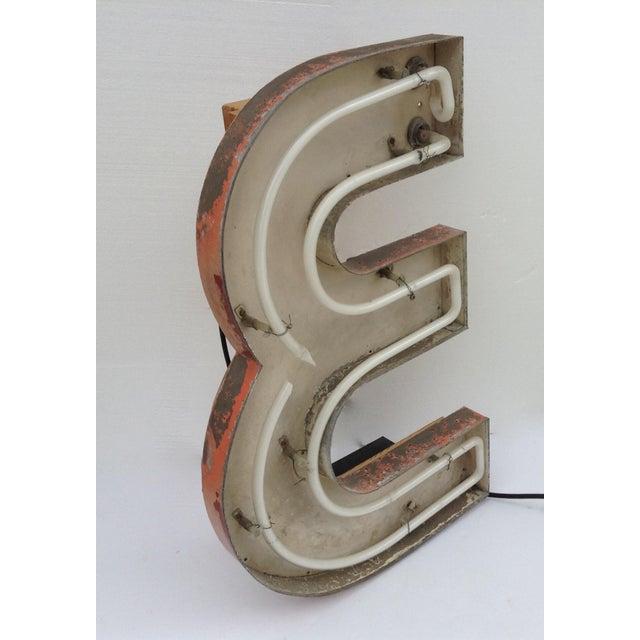 """Vintage Neon Diner Sign, Letter """"E"""" For Sale - Image 5 of 11"""