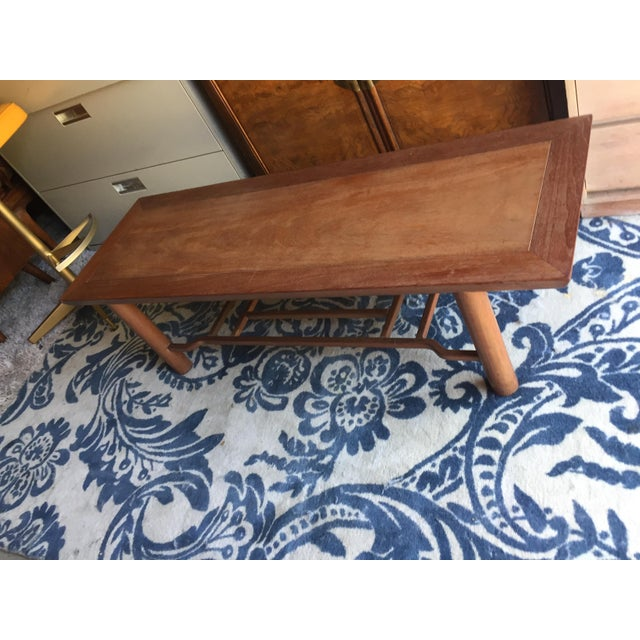 Heritage Henredon two-tier coffee table. The shelf underneath is very useful to hold books and magazines. Heritage-...