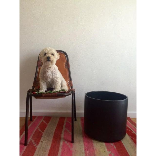 Mid-Century Modern Matte Black Gainey AC-16 Planter Pot For Sale - Image 3 of 6
