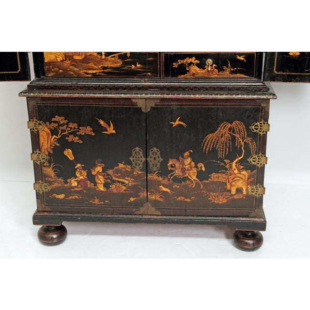 Queen Anne Collectors Cabinet / Japanned For Sale In Dallas - Image 6 of 13