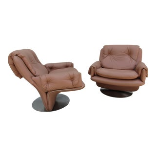 Mid-Century Modern Swivel Lounge Chairs on Unique Cantilever Base -A Pair For Sale