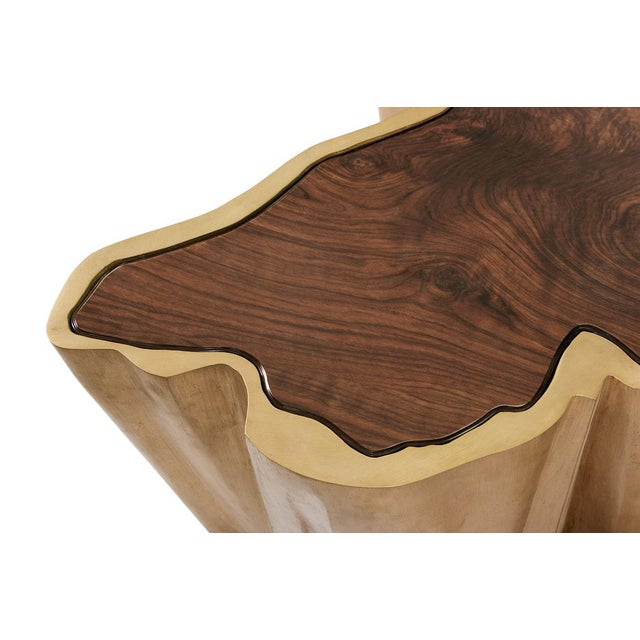 Sequoia is one of the largest and tallest trees in the world that grows in California. Just like it, SEQUOIA Center Table...