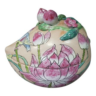 Late 19th Century Chinese Famille Rose Canton Porcelain Peach-Form Presentation Box For Sale