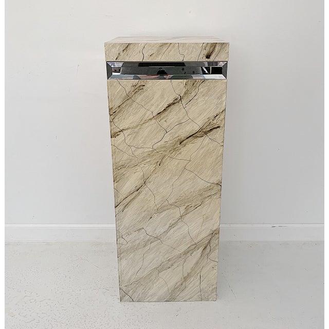1970s Vintage Faux Marble Pedestal For Sale - Image 10 of 10