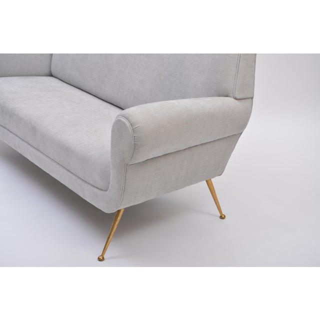 Mid-Century Modern Reupholstered Grey Midcentury Sofa by Gigi Radice for Minotti For Sale - Image 3 of 9