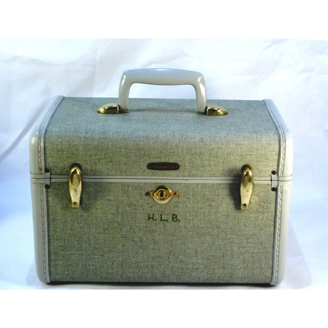 Travel in Vintage style or add this retro Samsonite Train Carry On/Suitcase to your home decor. Excellent condition with...