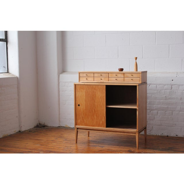 1950s Restored 1950s Mid-Century Modern Paul McCobb Planner Group Mini Credenza Cabinet For Sale - Image 5 of 13