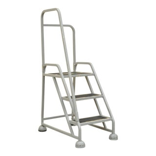 Industrial Grey Aluminum 3 Step Ladder on Wheels For Sale