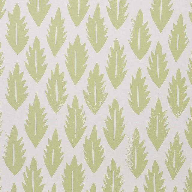 Contemporary Sample - Schumacher x Molly Mahon Leaf Wallpaper in Grass Green For Sale - Image 3 of 5
