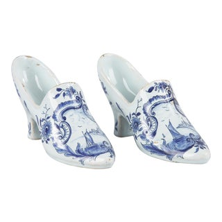 Miniature Pair of Delft Ceramic Shoes, Netherlands 1940s For Sale