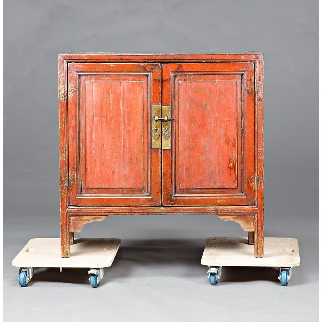 1920s Red Lacquered Chinese Cabinet From Ningbo For Sale - Image 5 of 5