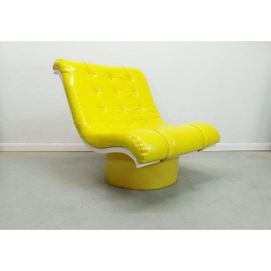 Mid-Century Modern 1970s Vintage Decorian Modern Yellow Vinyl Wave Scoop Chair For Sale - Image 3 of 9