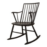 Image of 19th Century Original Painted Surface Windsor Rocking Chair For Sale