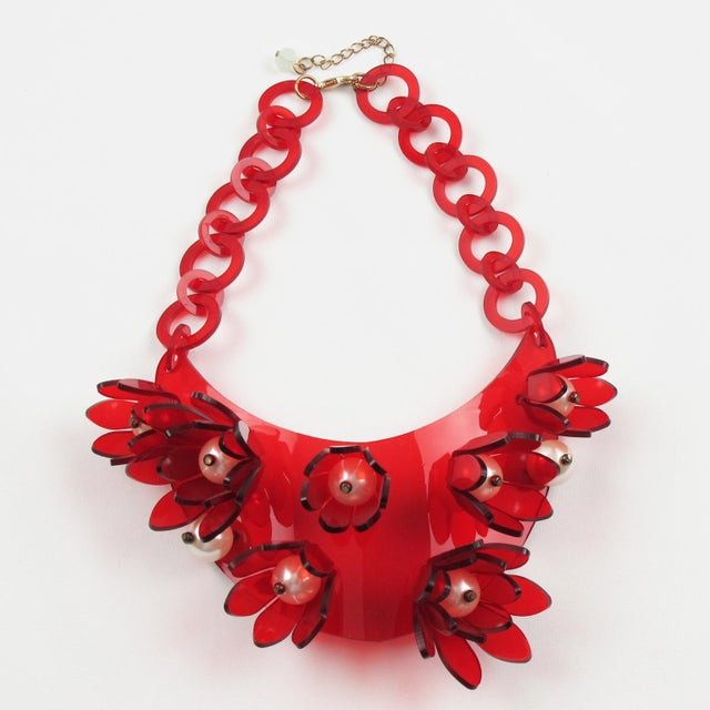 Italian Designer Transparent Red Lucite Flowers and Pearl Bib Necklace For Sale - Image 10 of 10