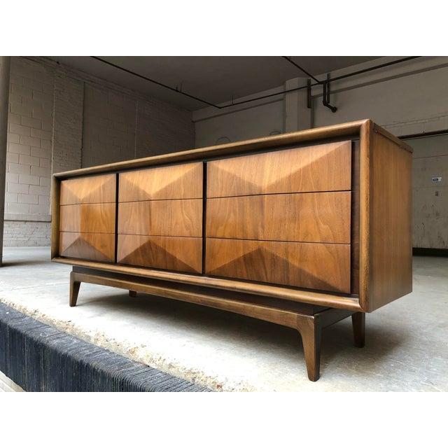Vladimir Kagan Vladamir Kagan Mid-Century Modern Diamond Front Nine Drawer Lowboy Dresser For Sale - Image 4 of 9