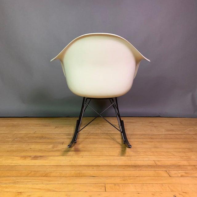 "Mid 20th Century Charles & Ray Eames ""Rar"" Rocker, Herman Miller For Sale - Image 5 of 11"