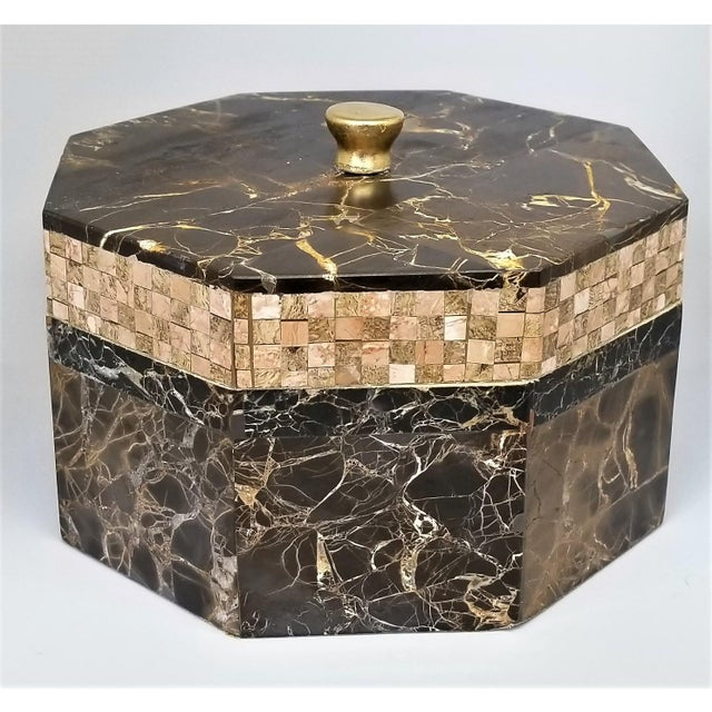 Offering a vintage tessellated marble decorative box by Maitland Smith, circa 1980s. This is a large keepsake/ jewelry...