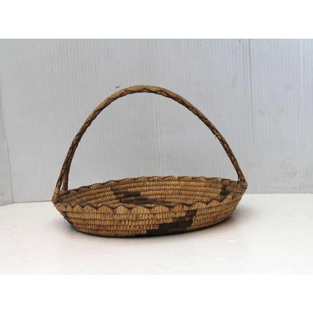 Papago American Indian Art Early 20th Century Papago Indian Handled Basket For Sale - Image 4 of 8