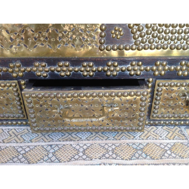 Metal 1980s Moroccan Chest / Coffee Table For Sale - Image 7 of 13
