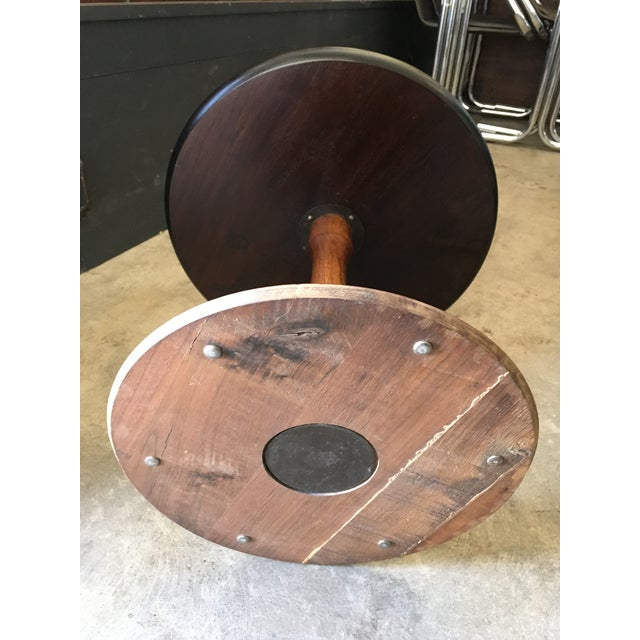 1950s Mid-Century Modern Round Walnut Pedestal Base Side Table For Sale In Los Angeles - Image 6 of 7