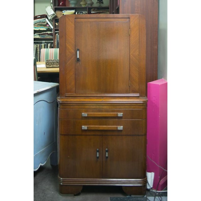 Original 1940s doctor's medicine cabinet. Labeled Hamilton and made in the United States. Solid wood laminate over wood...