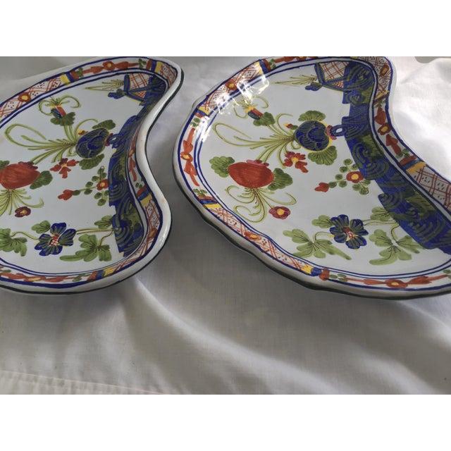 CACF Faenza Italian Pottery Bone Plates - a Pair For Sale - Image 9 of 13
