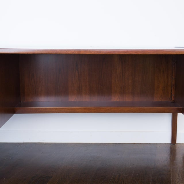 Jens Risom Single Pedestal Desk - Image 6 of 8