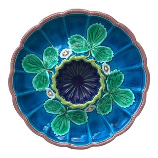 1875 Worcester English Majolica Strawberry Plate For Sale