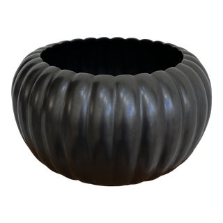 """1950s Tracy Irwin for Bauer Black """"Pumpkin"""" Bowl For Sale"""