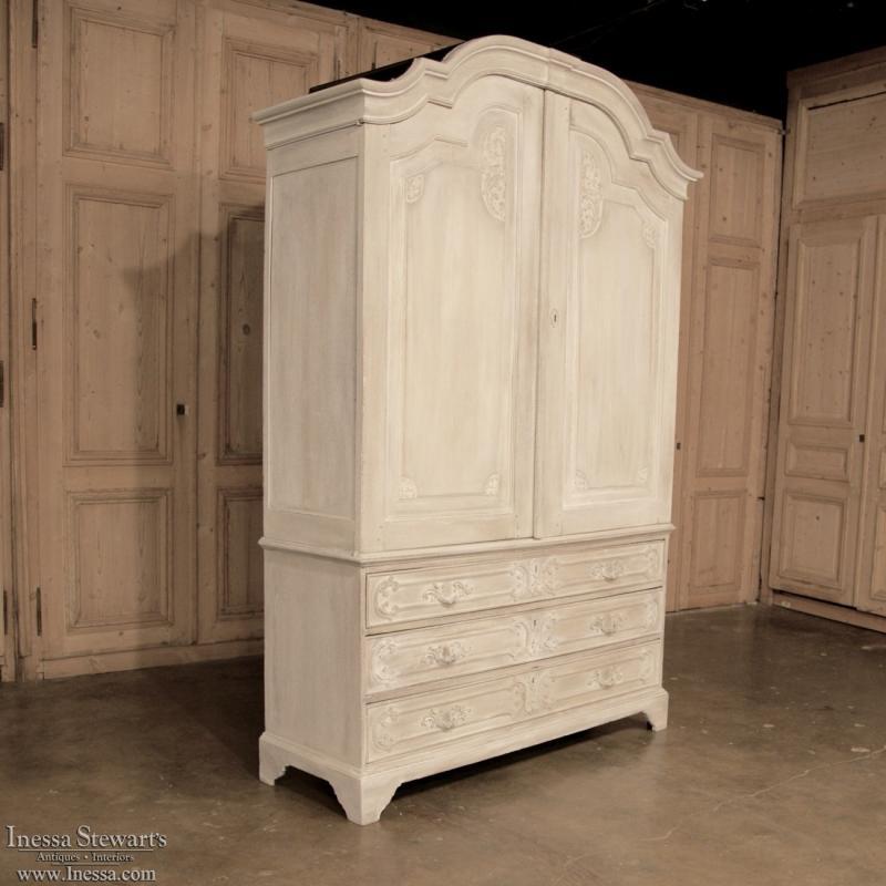 Rococo 18th Century Rococo Dutch Linen Press Cabinet Or Armoire For Sale    Image 3 Of