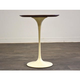 Knoll Tulip End Table by Eero Saarinen Preview
