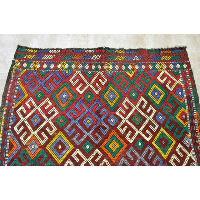 """1960s Vintage Braided Rug. Flat Weave Area Rug - 5' 1"""" X 5' 8"""" For Sale - Image 5 of 9"""