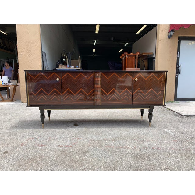 """1940s French Art Deco Exotic Macassar Ebony """"Zigzag"""" Buffet/Sideboard For Sale In Miami - Image 6 of 13"""