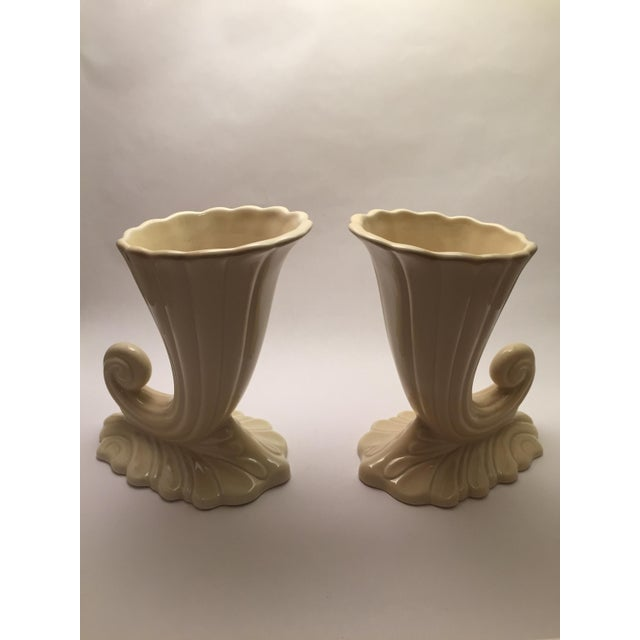 Trenton Potteries Mid-Century American Vases - A Pair For Sale In Philadelphia - Image 6 of 6