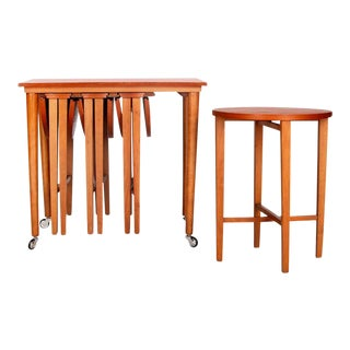 Mid-Century Teak Nested Table - Set of 4 Round Folding Tables For Sale