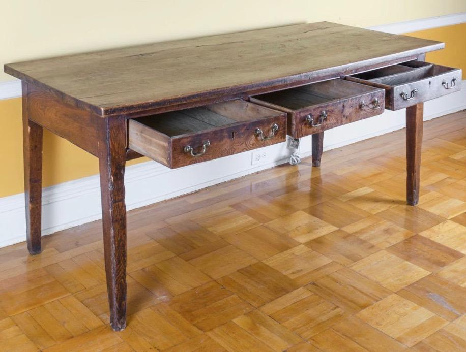 English Traditional Rustic George III Ash Elm Harvest Table From The Late  18th Century For Sale
