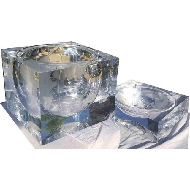 1970s 1970s Alessandro Albrizzi Ice Bucket With Incised Globe in Lucite For Sale - Image 5 of 12