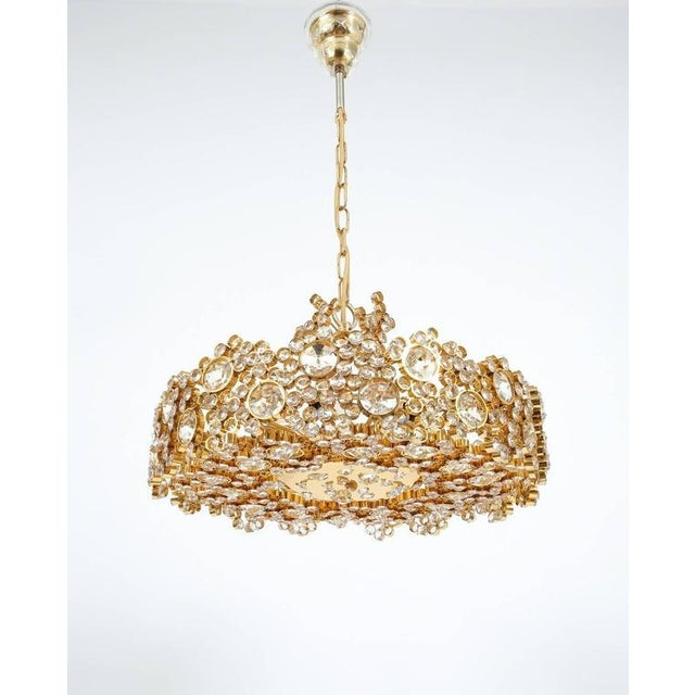Pair Palwa Crystal Glass Gold Plated Brass Chandeliers Refurbished Lamps, 1960 For Sale - Image 9 of 10