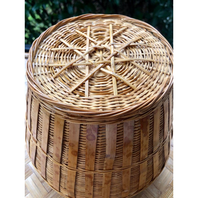 Tan Vintage Mid-Century Natural Woven Wicker Rattan Basket Urn For Sale - Image 8 of 9