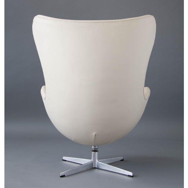 Arne Jacobsen Egg Chair & Ottoman - Image 7 of 11