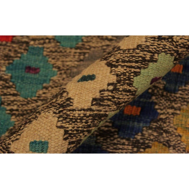 Abstract Southwestern Tribal Manuel Gray/Blue Hand-Woven Kilim Wool Rug -5'0 X 6'8 For Sale - Image 4 of 8