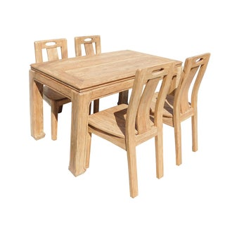 Light Wood Dining Set Preview