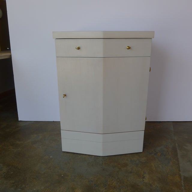 Contemporary Customizable Paul Marra Pinnacle Nightstand in Gray Wash Over Douglas Fir For Sale - Image 3 of 9