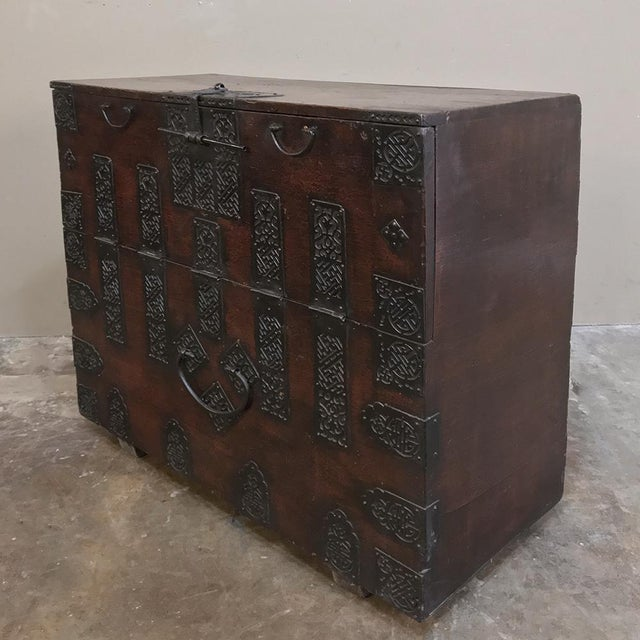 Late 19th Century 19th Century Chinese Cabinet ~ Trunk For Sale - Image 5 of 13