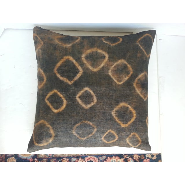 African Gray Tie Dye Kuba Cloth Pillows - A Pair - Image 4 of 5