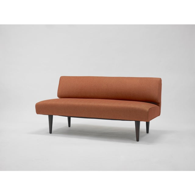 1940s Channel back settee by Edward Wormley for Dunbar For Sale - Image 5 of 8