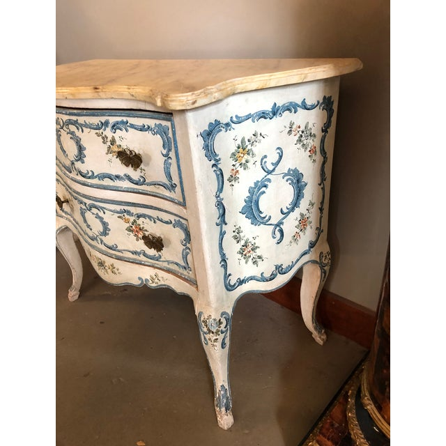 Italian 1950s Shabby Chic Italian Cream Hand Painted Chest of Drawers For Sale - Image 3 of 12